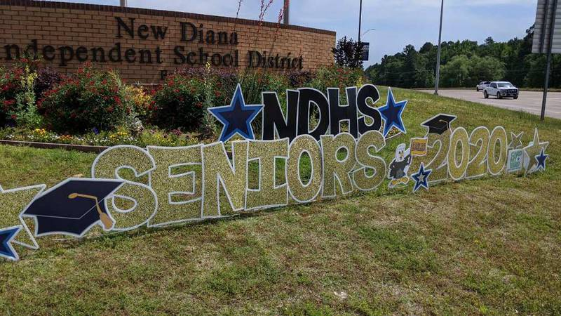 New Diana High School is decorating the town with support for their seniors.
