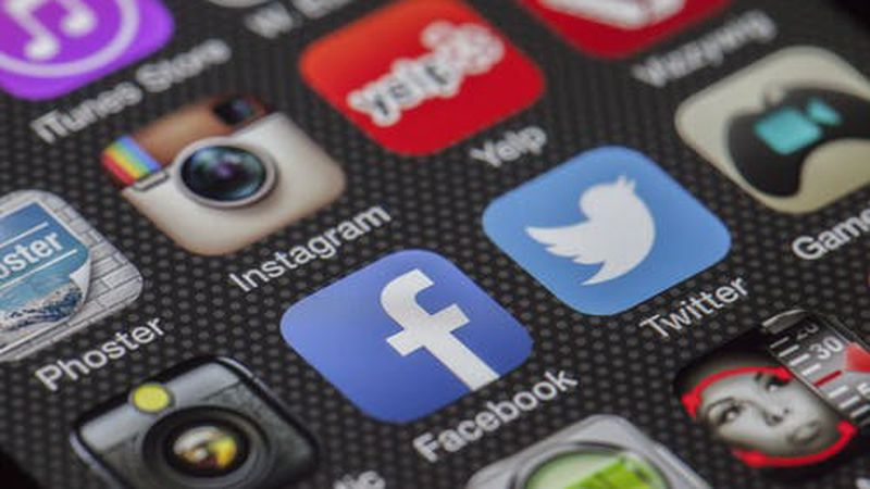 Instagram, Facebook and Twitter are popular social media apps.  (Source: Pexels/stock image)