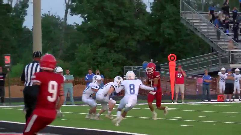 WATCH: Diboll's Haydn Harris takes it up the middle to score against Shepherd
