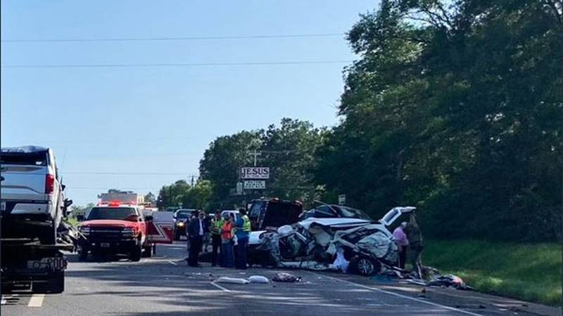 U.S. 59 is down to one southbound lane after multiple-vehicle wreck between Lufkin and Diboll....