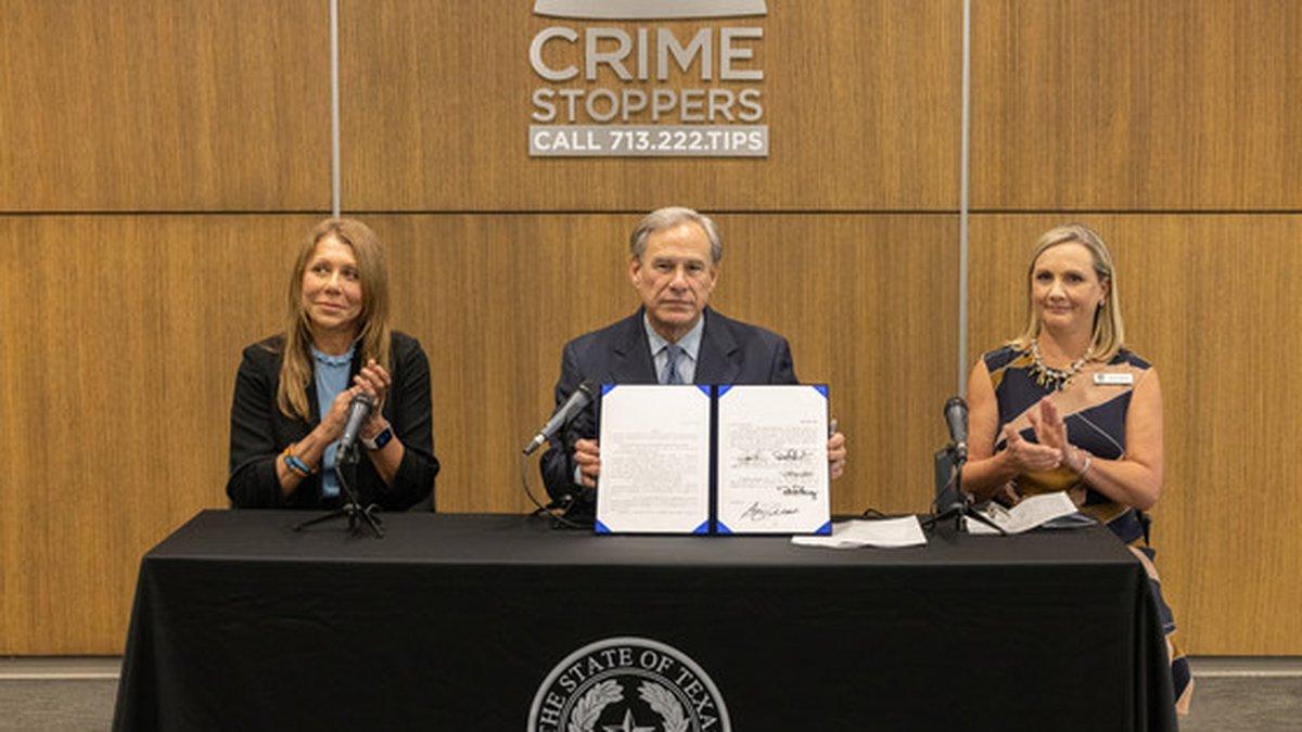 Gov. Abbott, Senator Joan Huffman, Crime Stoppers of Houston Deputy Director Nichole Christoph.