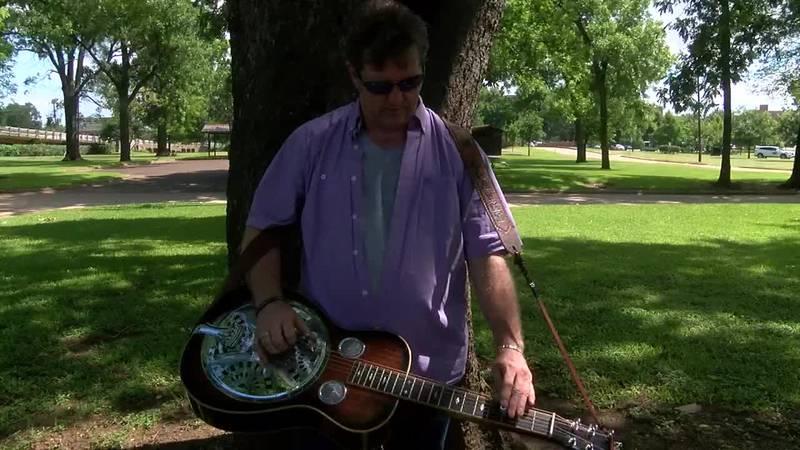 WEBXTRA: Bluegrass Singer