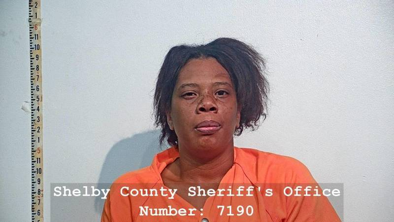 Talaisa Garner is suspected of robbing a Dollar General store in Timpson.