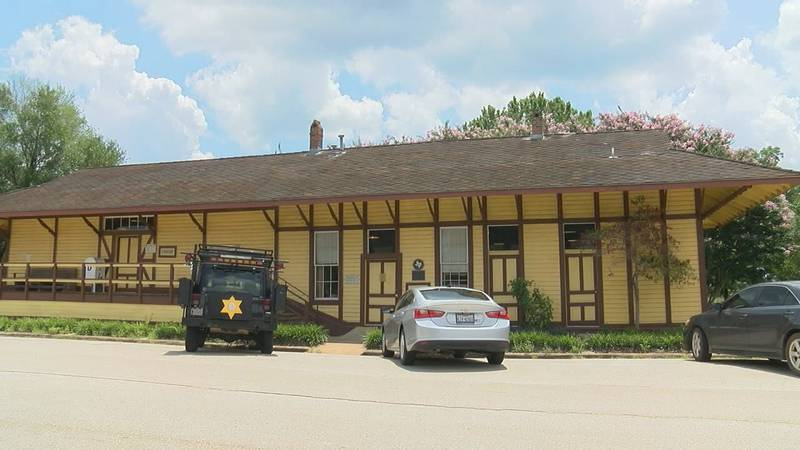 The Frankston Railroad Depot is now a library.