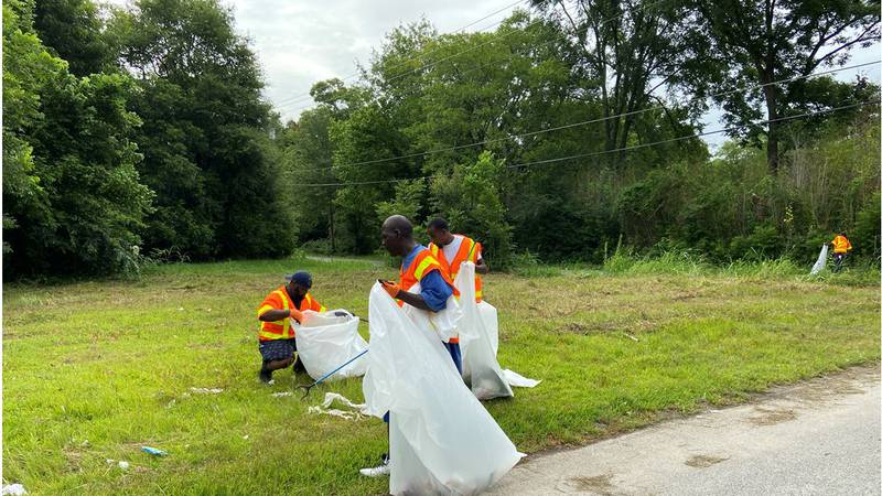 """A Lufkin group is continuing the """"Cleaning Up My Hood 2021"""" movement. (Source: KTRE Staff)"""