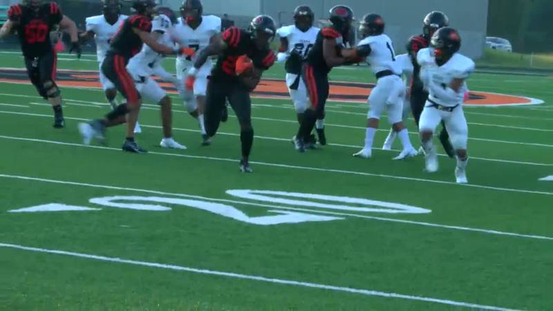 WATCH: Gilmer's Ashton Haynes finds an opening to score touchdown against Gladewater